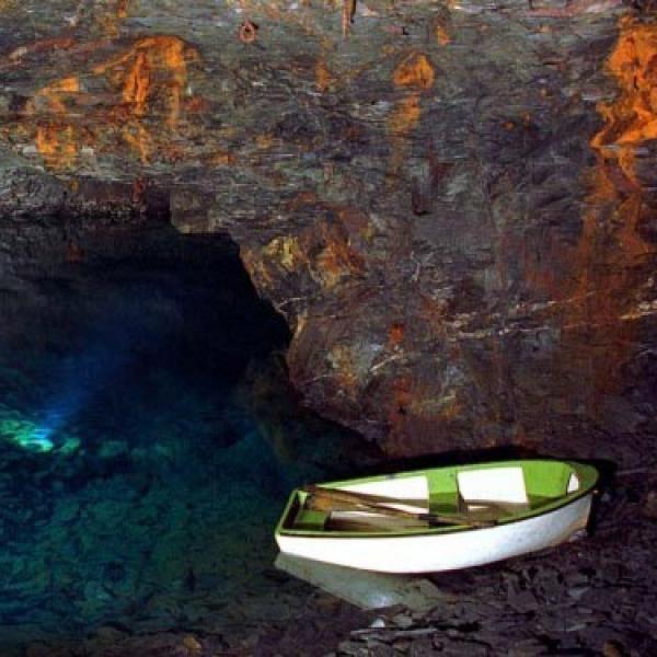 carnglaze-caverns
